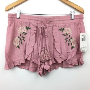 🔥 NEW Romantic Pink Floral Shorts